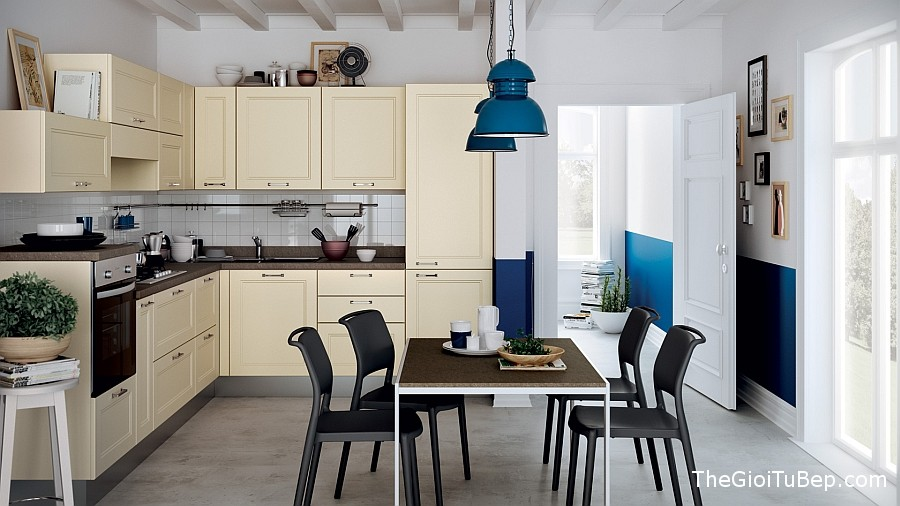 Lovely-use-of-cream-and-bright-blue-in-the-kitchen-and-dining-room
